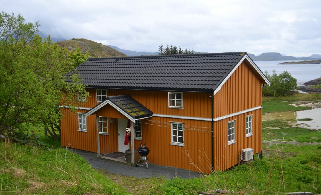 A cosy and comfortable house for rent at Tjongsfjord Lodge